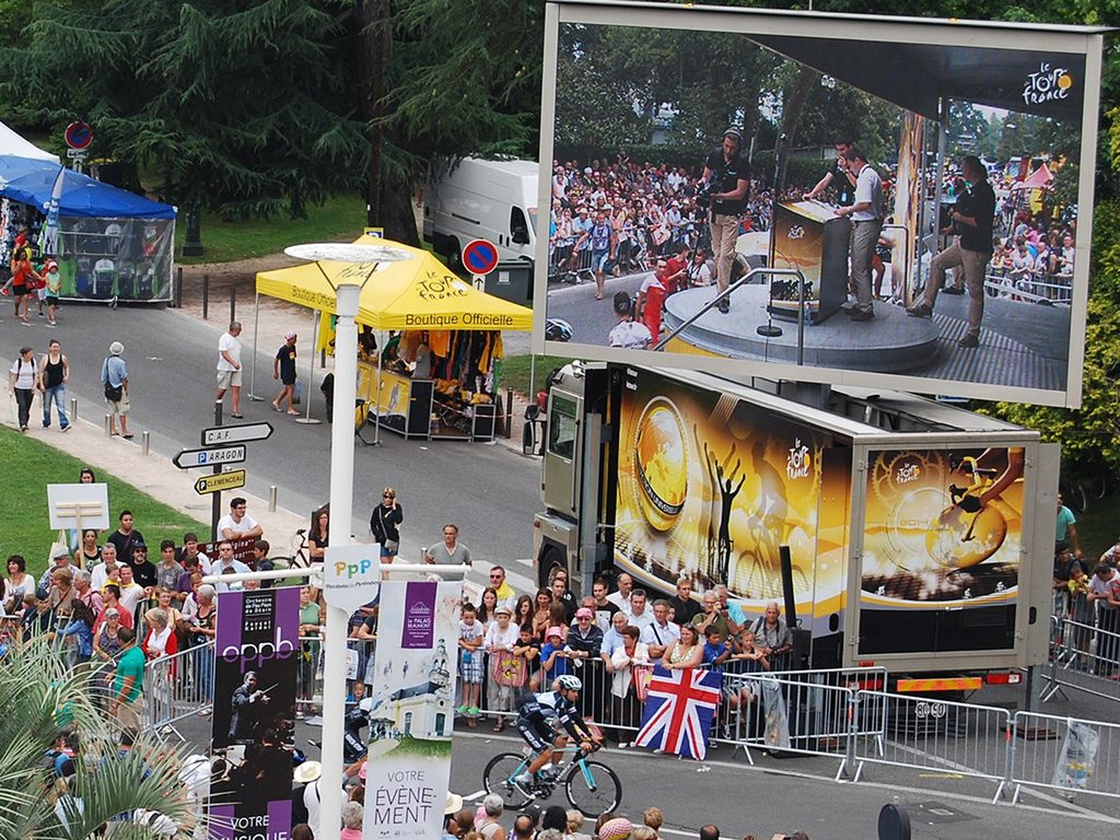 Pantalla gigante LED SUPERVISION LMC30 Tour de France 2015