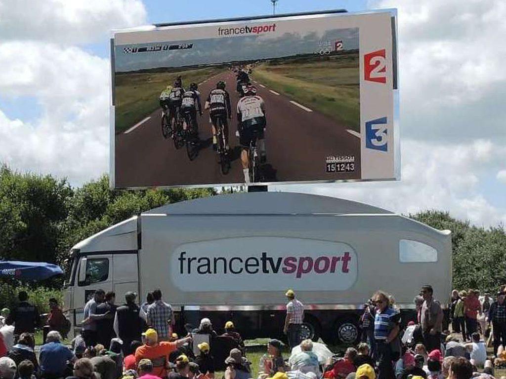 Giant LED screen SUPERVISION LMB46 Tour de France 2015