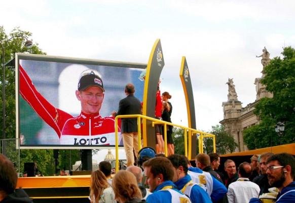 Ecran géant LED mobile SUPERVISION LM62a Arrivée Tour de France