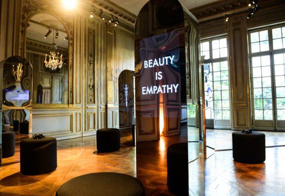 Ecran géant LED modulaire SV3.6 Shiseido Robert Montgomery