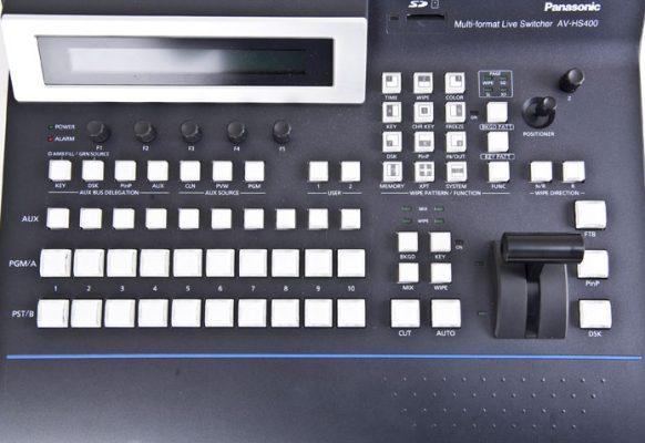 Mélangeur Panasonic AV HS400 son écran géant vidéo SUPERVISION