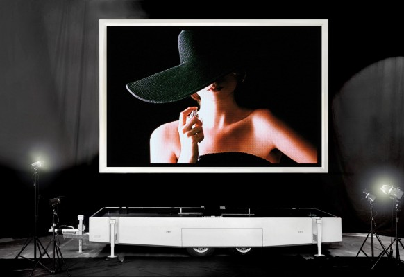 Giant mobile LED screen LM15 SUPERVISION