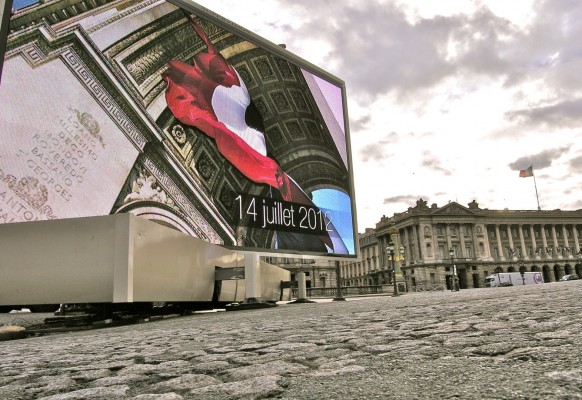 Mobile giant LED screen SUPERVISION LM84 July 14th