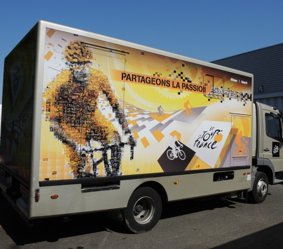 Habillage camion écran géant LED mobile Supervision Tour de France France TV Sport