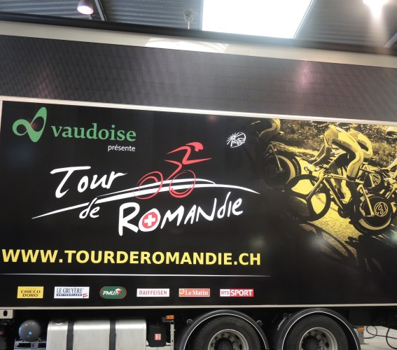Dressing and branding of giant screens Supervision Tour de Romandie 2015
