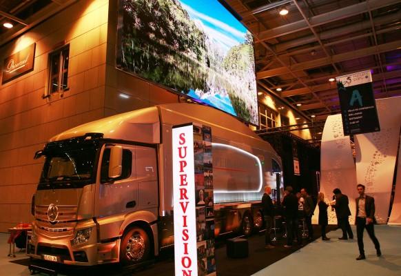Ecran géant LED mobile sur camion LMB46 SUPERVISION Salon Heavent