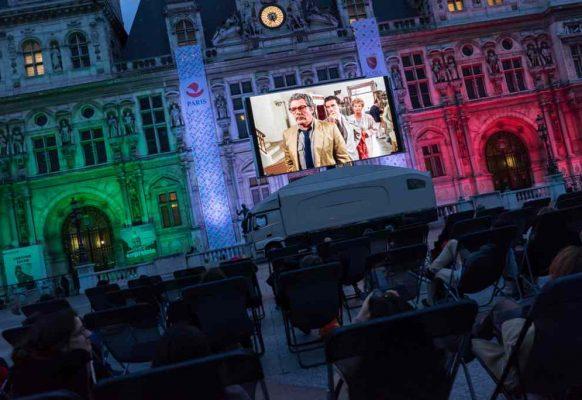 Ecran géant LED mobile SUPERVISION LMB46 Jumelage Paris Rome – Parvis de l'Hôtel de Ville