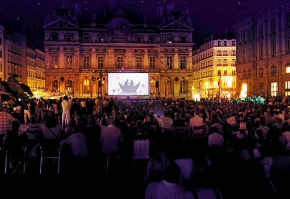 Ecran géant LED mobile SUPERVISION LM62 Opéra de Lyon