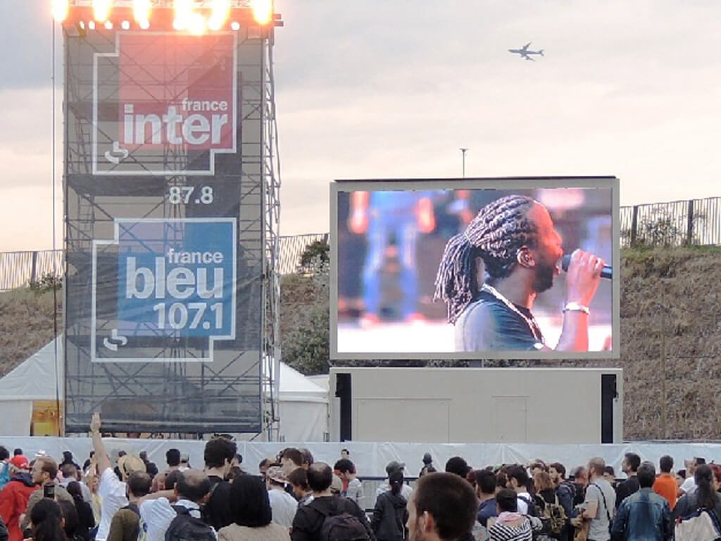 Giant LED screen SUPERVISION LMC30duo Fête de l'humanité