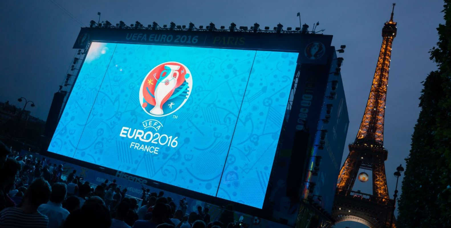 Advertising banners SUPERVISION FanZones EURO 2016 Giant LED screen