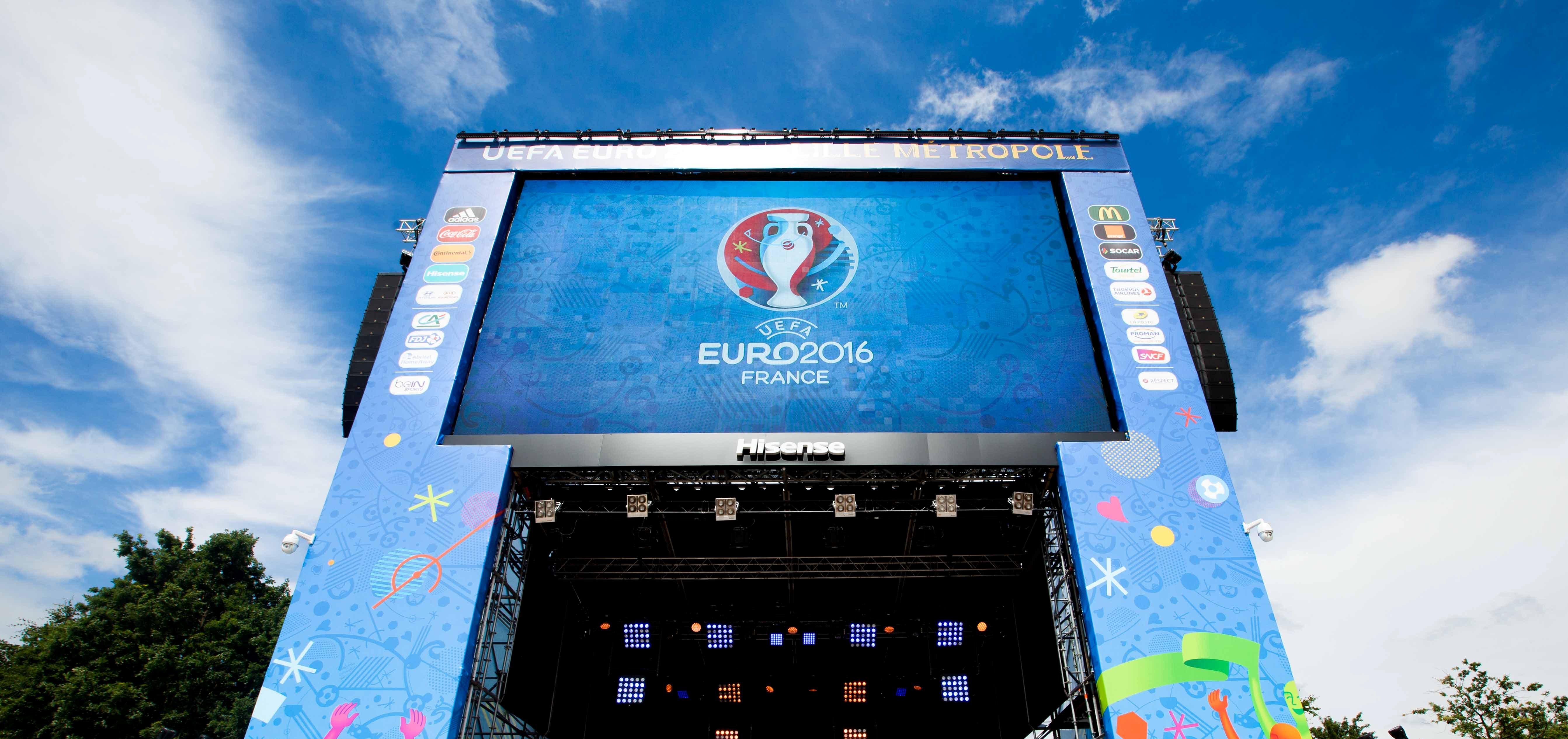 Bâches publicitaires SUPERVISION FanZones EURO 2016 Ecran géant LED