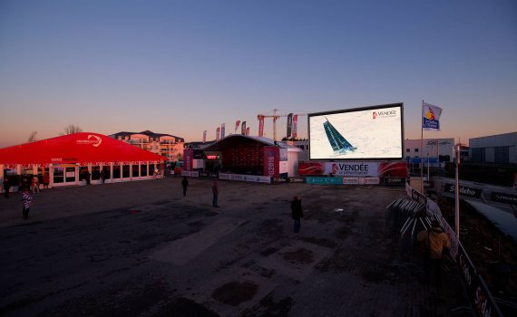 Large video screen LM62 Vendée Globe Village arrivée @Easyride/BPCE