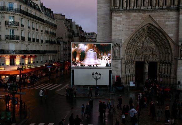 Ecran géant LED Supervision LMC30 Notre Dame de Paris
