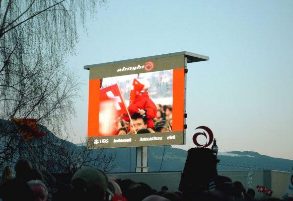 Ecran géant LED Supervision LMC40 Tour de Romandie