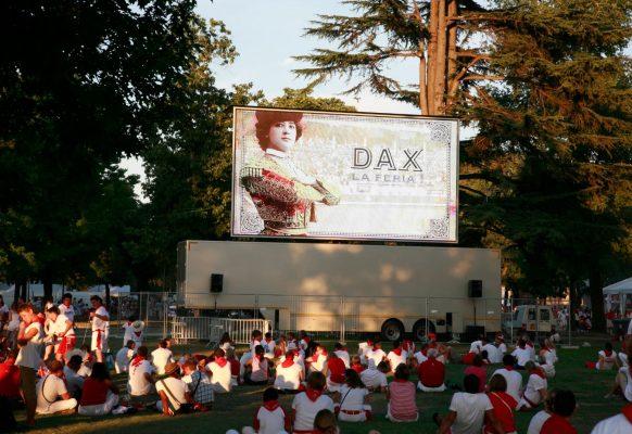 Giant LED screen Supervision LMC50 Feria de Dax