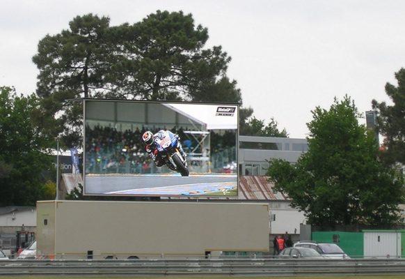 Ecran géant LED Supervision LMC50 Grand Prix moto
