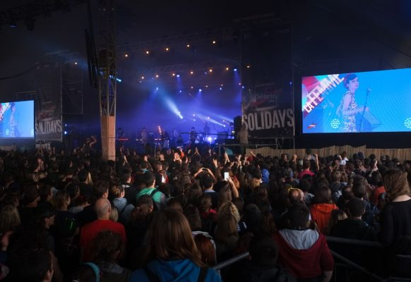 Giant LED screen Supervision M10 Solidays