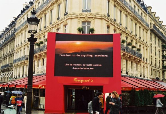 Giant LED screen Supervision SV10 Festival du Film le Fouquet's