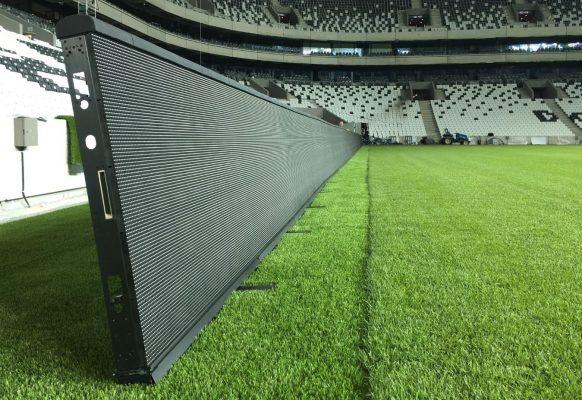 Banner contour publicitaire Supervision CH10.6 Stade de football