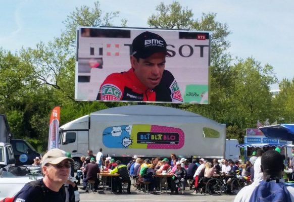 Giant LED screen Supervision LMB46 Tour de Romandie