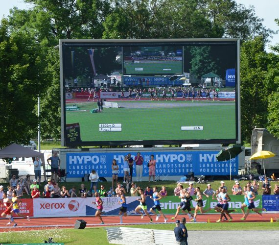 Giant LED screen outdoor Supervision LM62 Hypomeeting Götzis