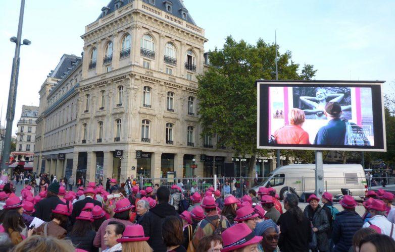 Ecran géant outdoor Supervision LM15 Octobre Rose Place de la République Paris