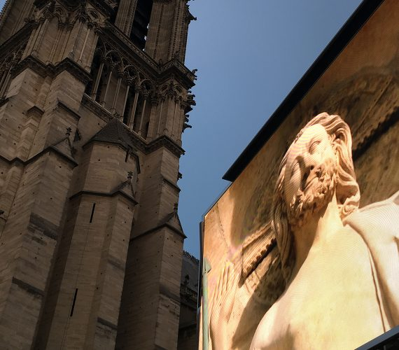 Giant LED screen Supervision LMB46 Sound and Light Show Dame de Coeur Notre Dame de Paris