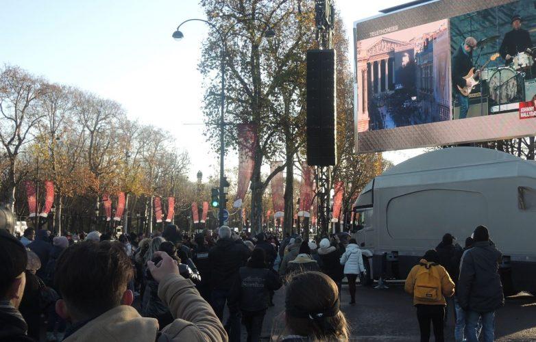 Ecran géant LMB46 Supervision Hommage Johnny Hallyday Champs Elysées