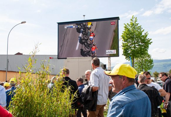 LED large video screen-Supervision-Tour-de-Romandie-LMC30-1