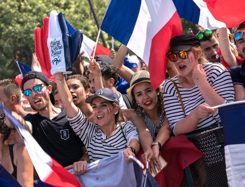 ecran-video-LED-Supervision-Fan-Zone-Paris-Coupe-du-monde-football-Russia2018