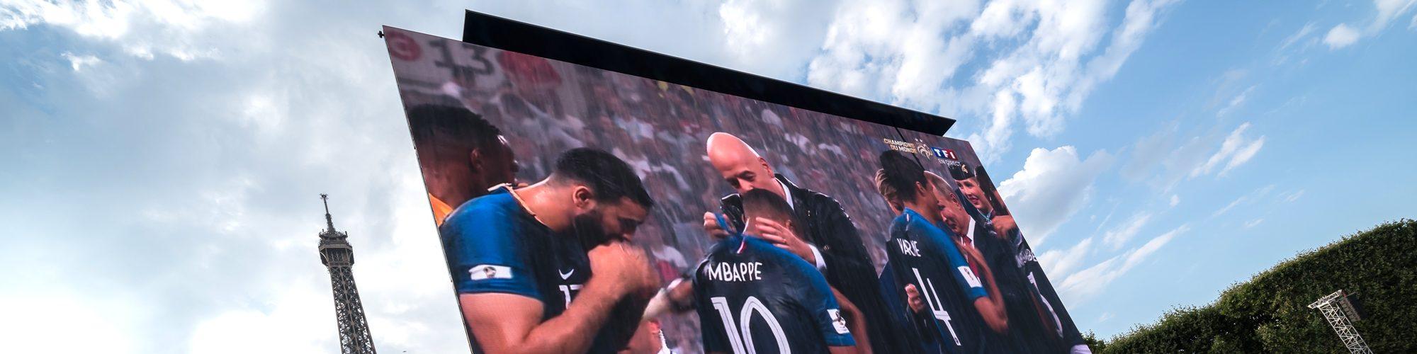ecran-video-LED-Supervision-Fan-Zone-Paris-Coupe-du-Monde-FIFA-Russia2018