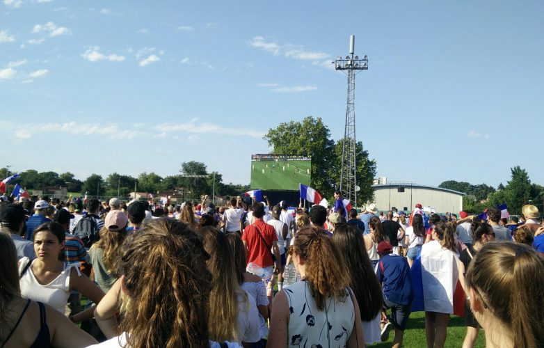LED-large-video-screen-Supervision-Fan-Zone-Castres-FIFA-World-Soccer-Cup-Russia2018
