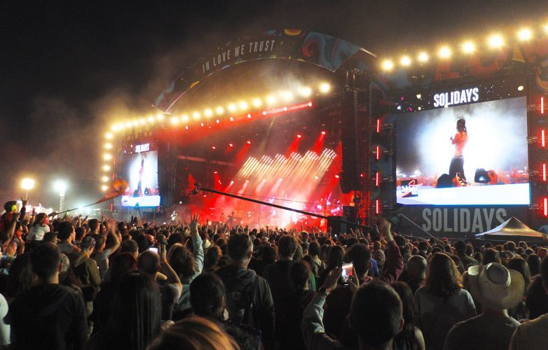 LED-large-video-screen-Supervision-Solidays-Paris