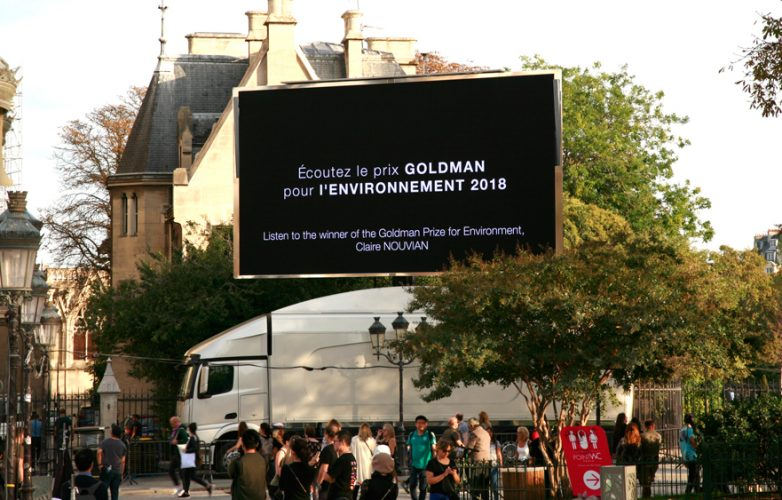 Led-large-video-screen-Supervision-LMB46-Dame-de-Coeur-Notre-Dame-Paris