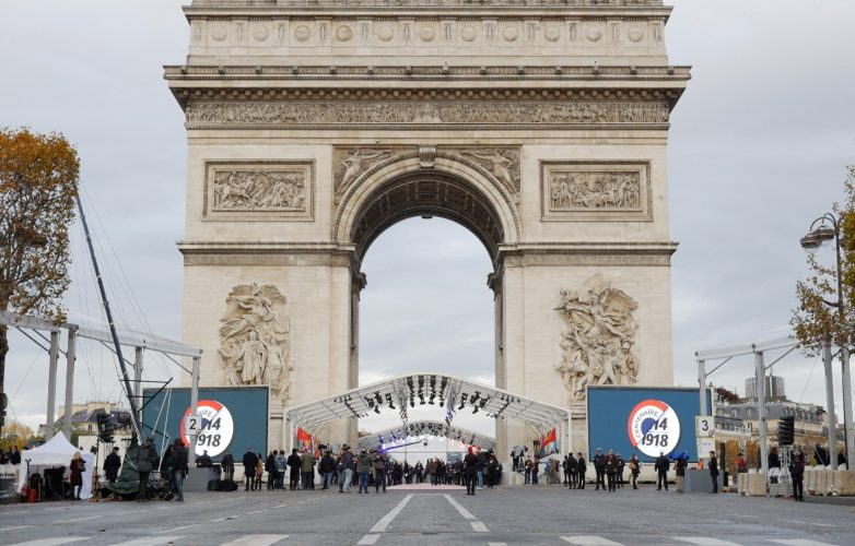 ecran-geant-Led-Supervision-Armistice-11-Novembre-1918-Arc-de-Triomphe-1
