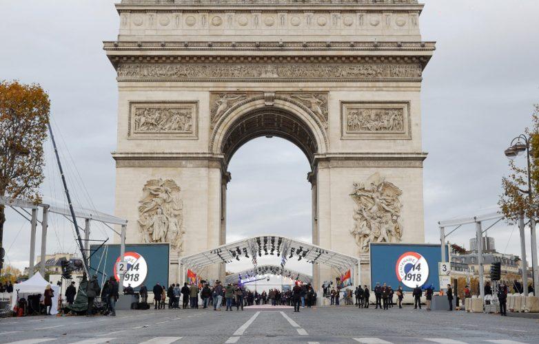Led-large-video-screen-Supervision-Armistice-11-november-1918-Arc-de-Triomphe-1