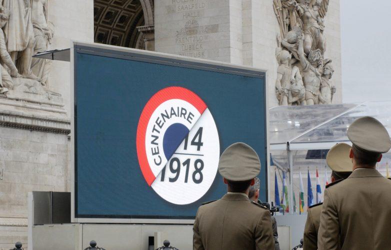 Led-large-video-screen-Supervision-Armistice-11-november-1918-Arc-de-Triomphe-2
