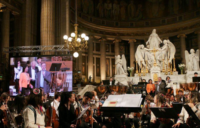 ecran-geant-led-supervision-concert-pour-le-climat-madeleine-2