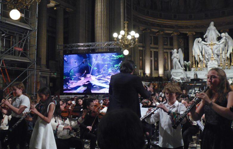 ecran-geant-led-supervision-concert-pour-le-climat-madeleine-3