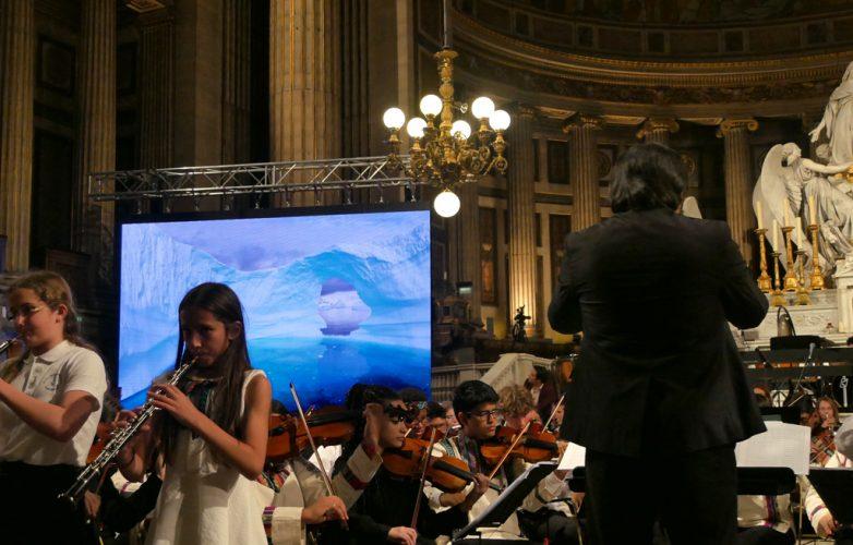 ecran-geant-led-supervision-concert-pour-le-climat-madeleine-5