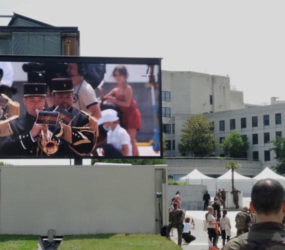 ecran-geant-led-supervision-armee-de-terre-lmc30