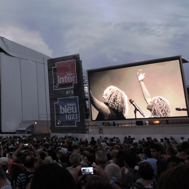 MOBILEGiant LED screensWhether you organise an outdoor or indoor event but have neither the space, nor the time to install a complex metallic structure, we have the experience in installing mobile screens, mounted on truck or on container.